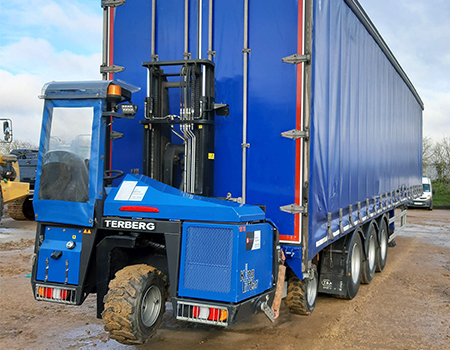 Terberg KingLifter and trailer hire